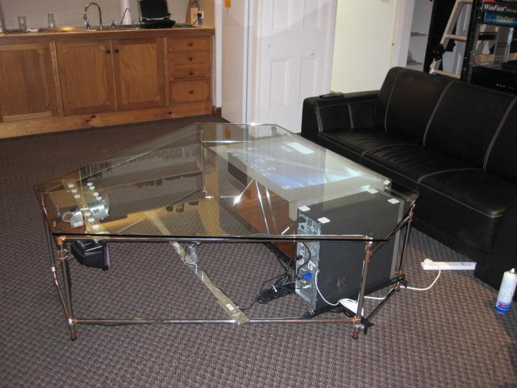 Une coffee table multitouch faite maison g n ration for Table basse fait maison