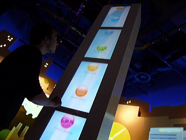 Installée à l'Exposition Universelle de Shanghai au sein du pavillon des États-Unis, voici une installation tactile plutôt originale que je vous laisse découvrir dans la vidéo ci-dessous :