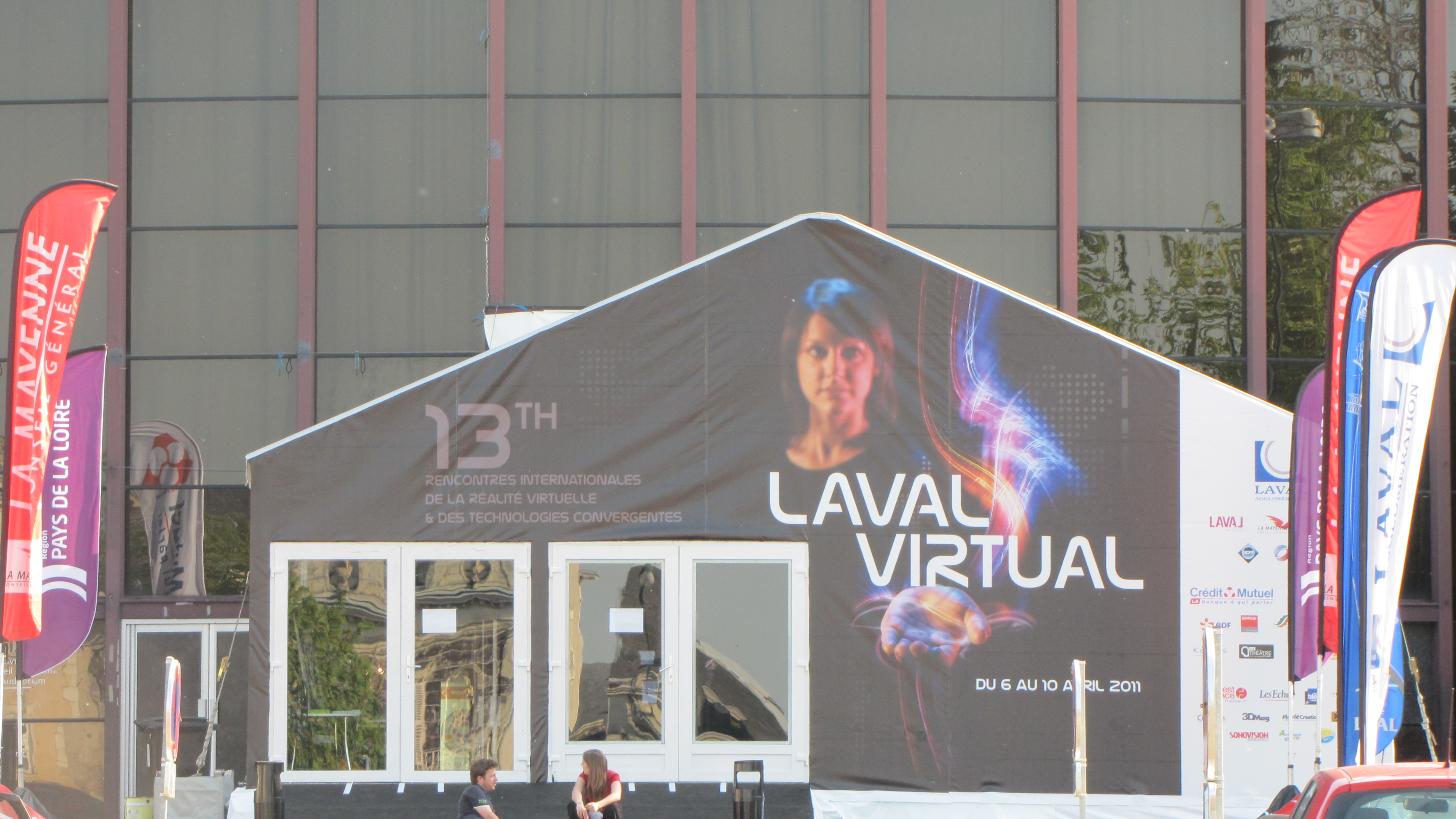 Cette année encore je suis allé à la pêche aux interfaces tactiles au salon Laval Virtual. J'en suis revenu avec plusieurs images que j'ai compilé dans la vidéo que vous...